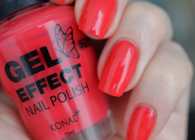 Лак Konad Gel Effect Nail Polish Extreme Red