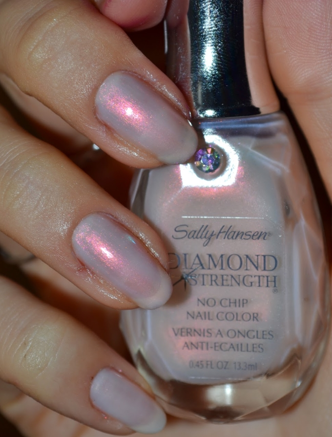 Лак Sally Hansen Diamond strength №210 Brilliant Blush