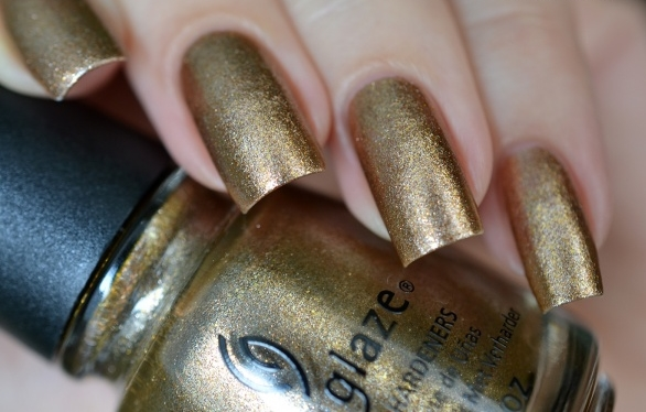лак China Glaze Goldie but Goodie