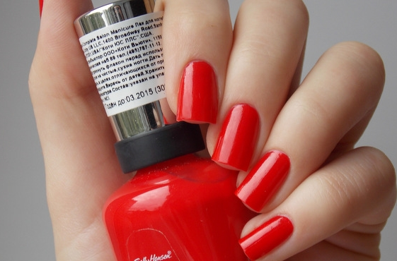Лак Sally Hansen Salon №550 All Fired Up