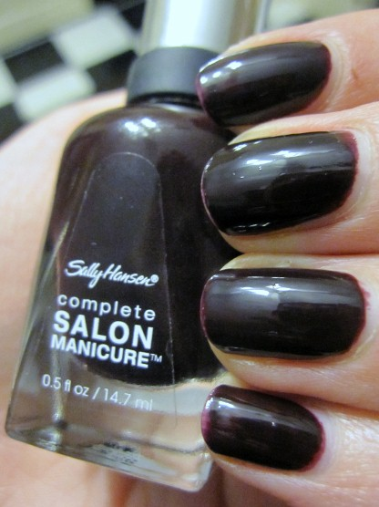 Лак Sally Hansen Salon №660 Pat on the Black