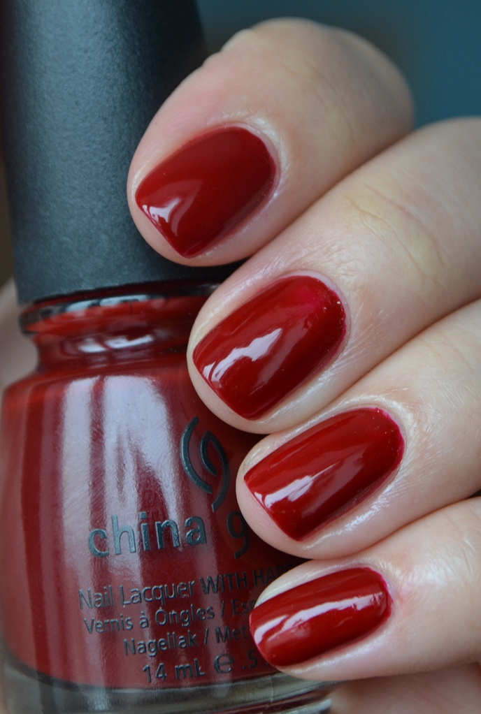 лак China Glaze Masai Red