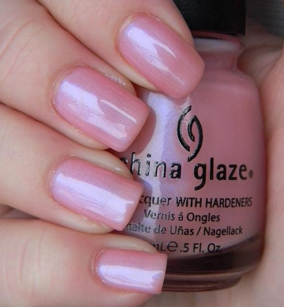 лак China Glaze Flower Girl