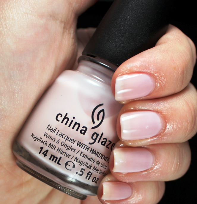 лак China Glaze Dare to Be Bare