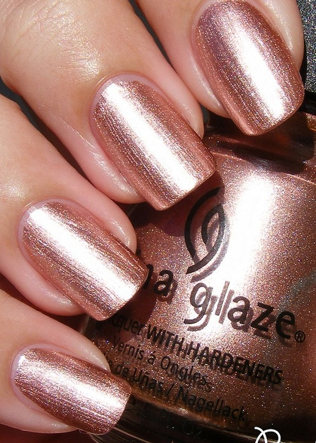 лак China Glaze Poetic