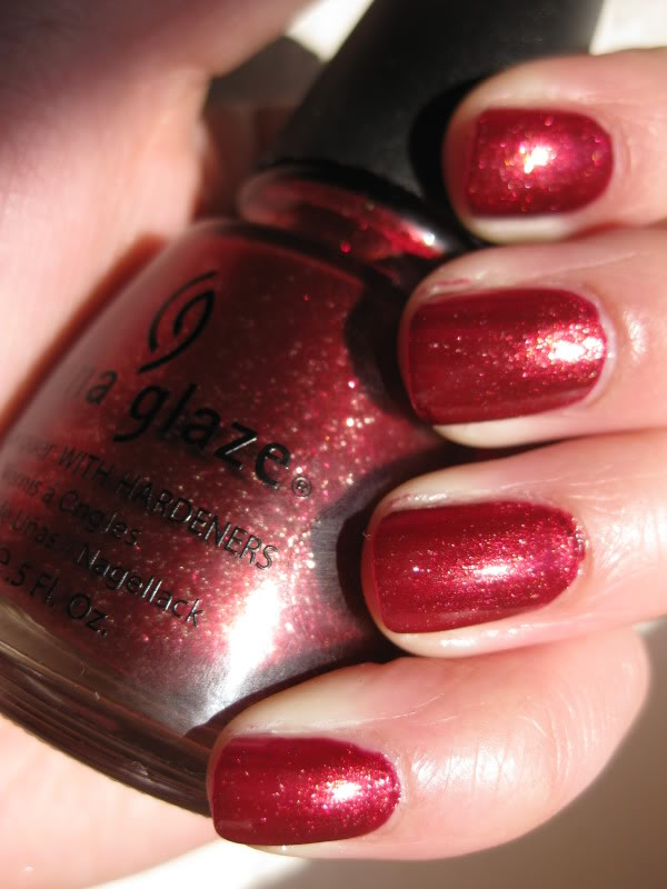 лак China Glaze Riveter Rouge