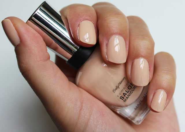Лак Sally Hansen Salon №140 Peachy Keen