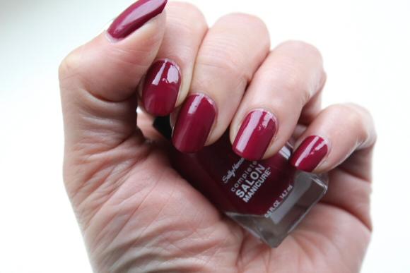 Лак Sally Hansen Salon №639 Scarlet Fever