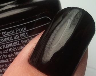 VINYLUX 105 Black Pool