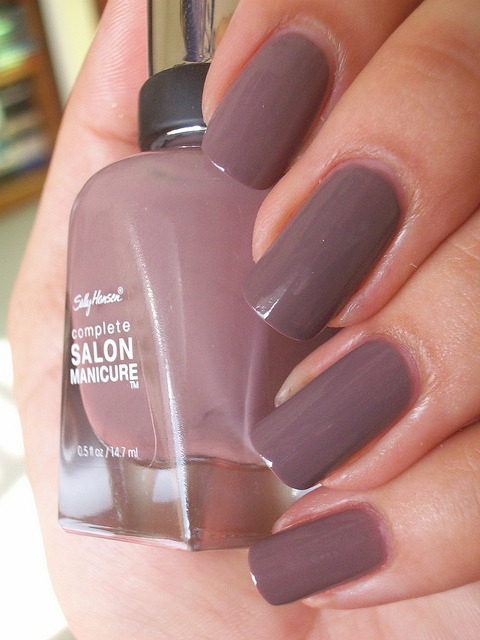 Лак Sally Hansen Salon №370 Commander in Chic