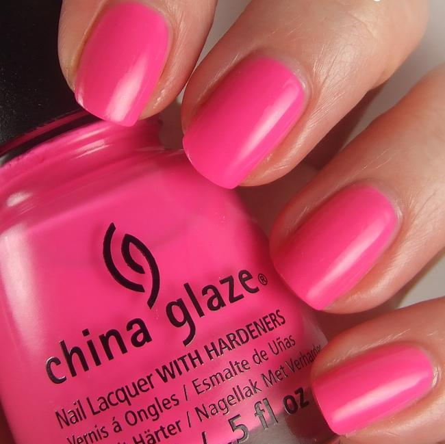 лак China Glaze You Drive Me Coconuts