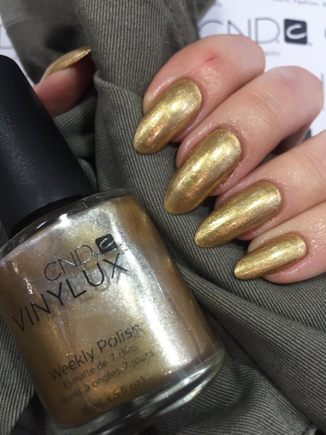 Vinylux и Shellac Brass Button