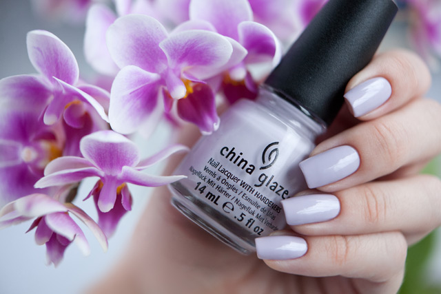 лак China Glaze Light As Air