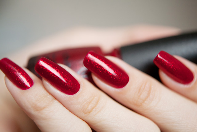 лак ак China Glaze Ruby Pumps