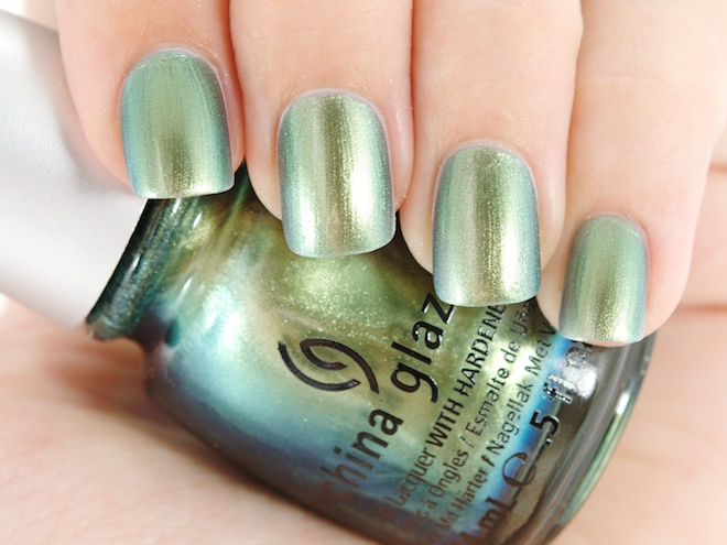 лак China Glaze Unpredictable