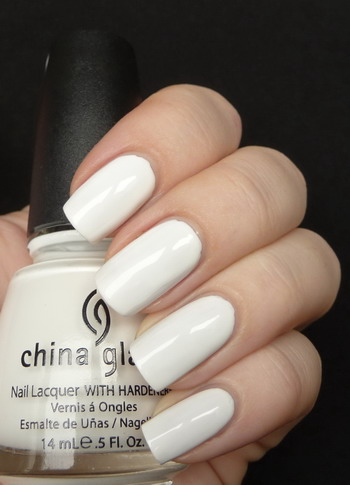 лак China Glaze White on White