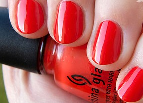 лак China Glaze Wicked Rougish Red