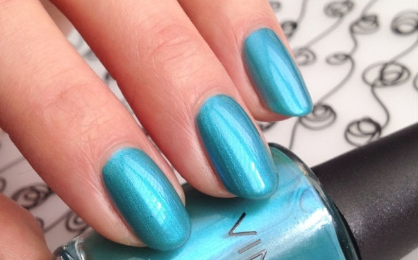 CND Shellac Vinylux Lost Labyrinth Garden Muse Collection 2015