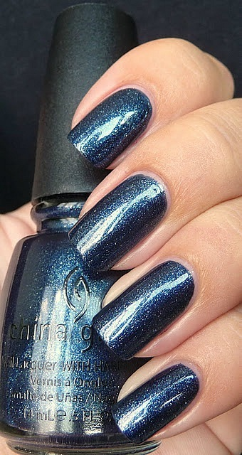 лак China Glaze Midnight Mission